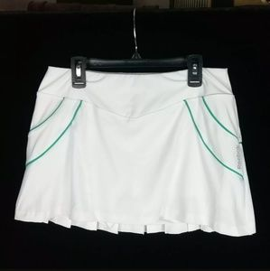 REEBOK WHITE WITH TEAL STRIPES PLEATED SIZE SMALL